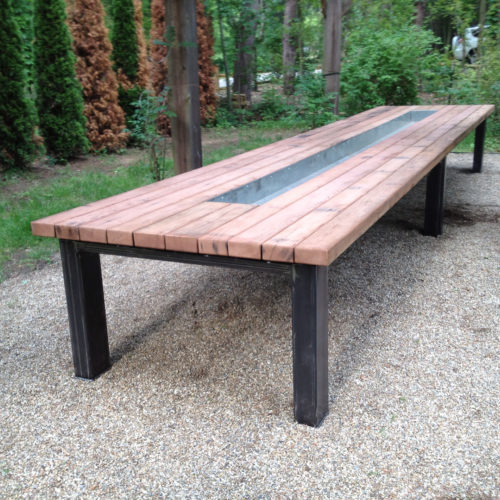 Outdoor Table in Redwood with Powder Coated Steel Base and Center Galvanized Trough